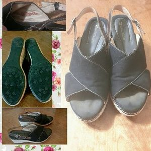 EUC 🌟Naturalizer 🌟Ladies Canvas Wedges